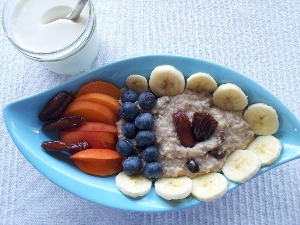Porridge mit meinem selbst gemachten griechischen Joghurt